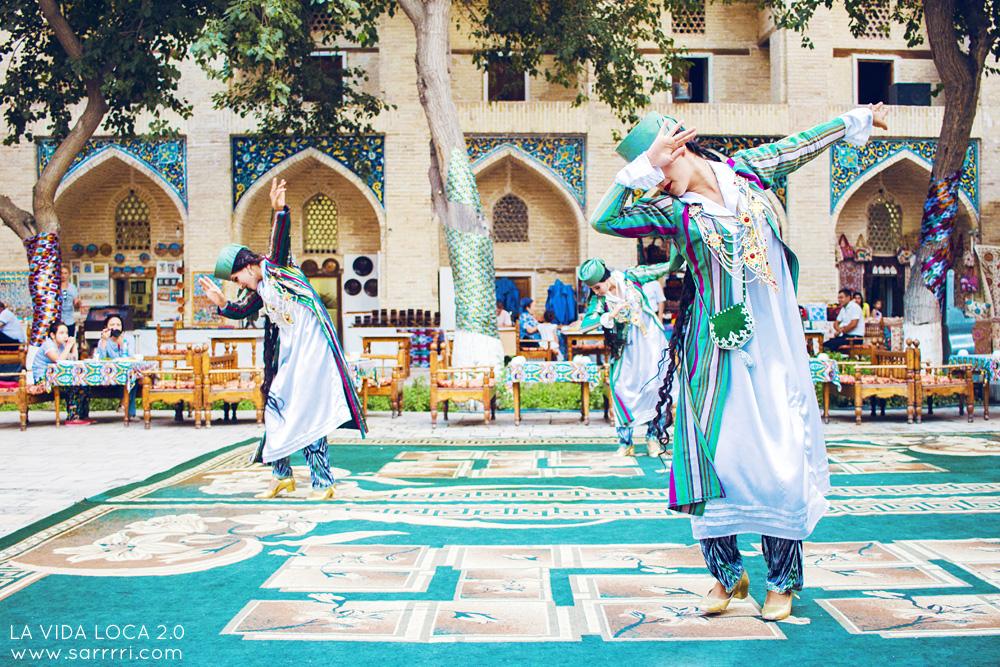 Bukhara Uzbekistan Folklore | La Vida Loca 2.0 Matkablogi | www.sarrrri.com