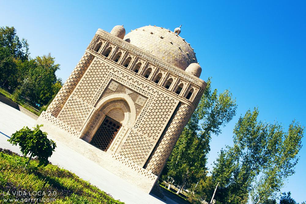 Bukhara Uzbekistan Samanids Mausoleum | La Vida Loca 2.0 Matkablogi | www.sarrrri.com
