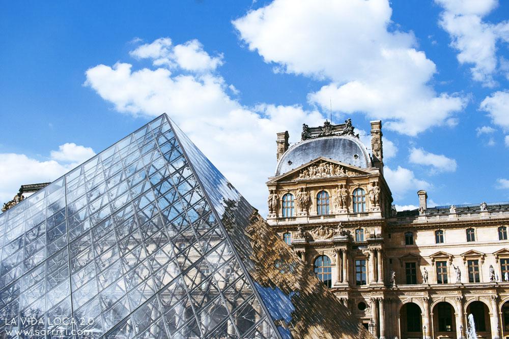 Louvre Pariisi