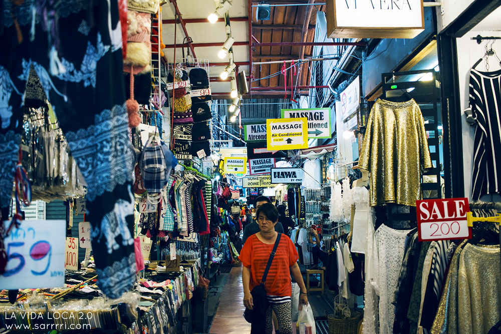 Bangkok Chatuchak Weekend Market (1)