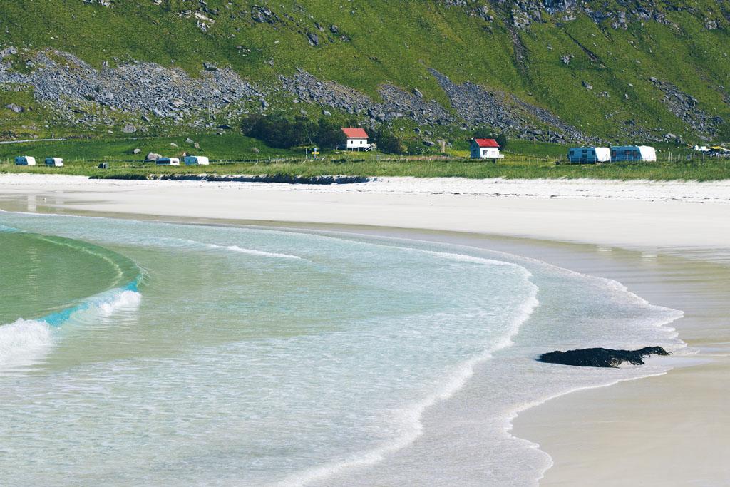 Haukland beach lofootit