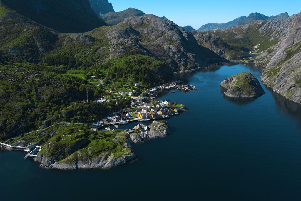 nusfjord lofootit lofoten drone